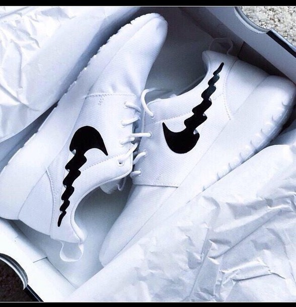 black nike running shoes tumblr. shoes nike running roshe runs style tumblr outfit high heels white roshrun black m