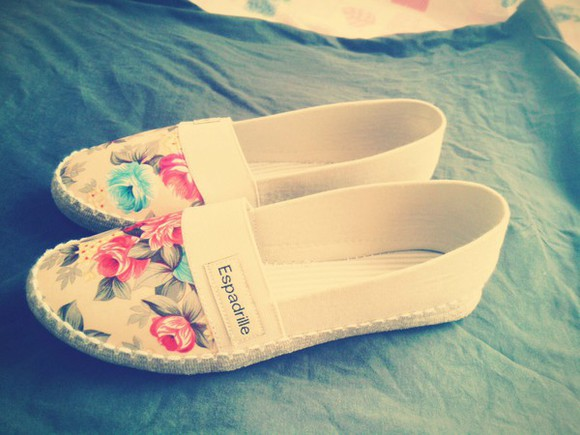 shoes sandals clothes trends floral espadrille