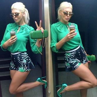 shorts green short green blouse