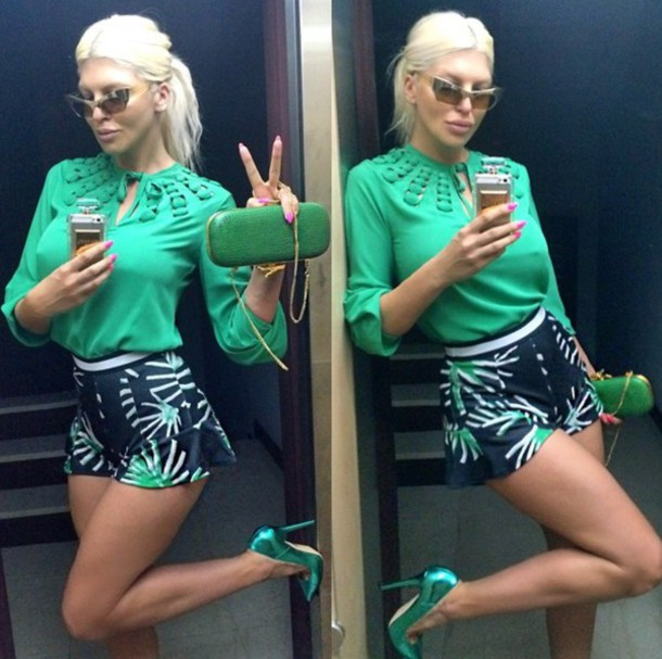 shorts green short green blouse