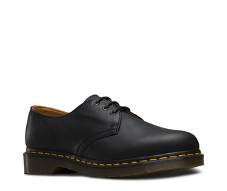 shoes black shoes boots fall outfits trendy black boots derbies drmartens