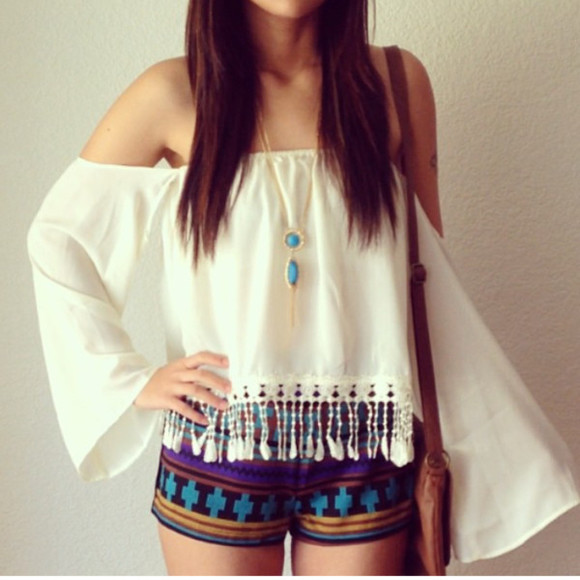 shorts white top blouse off shoulder crop top off the shoulder hippie boho boho style gypsy gypsy-style top tassel top fringe top loose top off the shoulder top white crop blouse