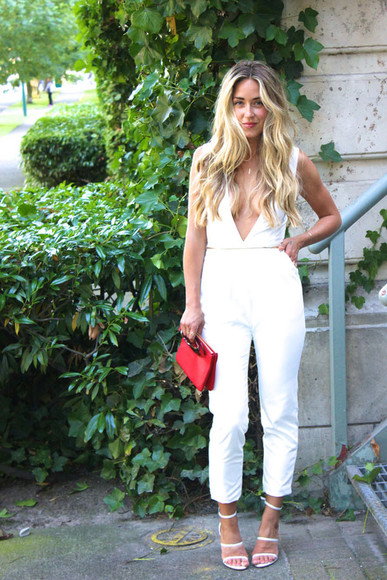cute shoes classy bag chic blogger a fashion love affair jumpsuit jewels red clutch clutch white jumpsuit sexy summer outfits sandals high heels necklace clubwear party elegant white