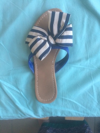 shoes bow blue stripes bow shoes flip-flops blue shoes blue and white striped