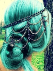goth,goth hipster,hair accessory,pastel hair,jewels,headpiece,headband,Accessory,silver headpiece,silver headband,head jewels,cute,blue-green,black,silver,hat,belt,hair,prom,bun,chain,tree,blond,blonde hair,flowers,grass,low bun,gypsy,accessories,hair bow,diamonds,prom dress,help findit,gold,jewelry,hair clip,hair band,festival,wild,boho,vintage,indie,blue,dyed,metal headband,chain link