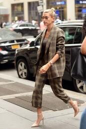jacket,hailey baldwin,plaid,blazer,pants,fall outfits,fashion week,streetstyle