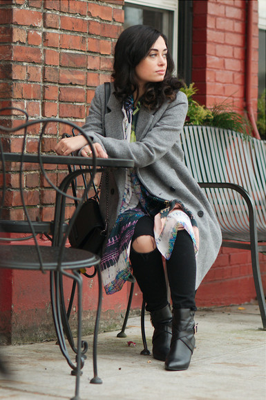 scarf blogger bag grey coat coco and vera ripped jeans ring