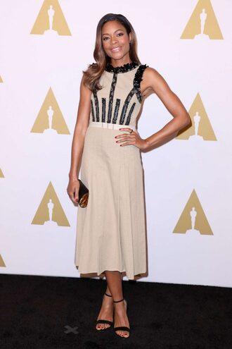 dress midi dress sandals clutch naomie harris oscars oscars 2017