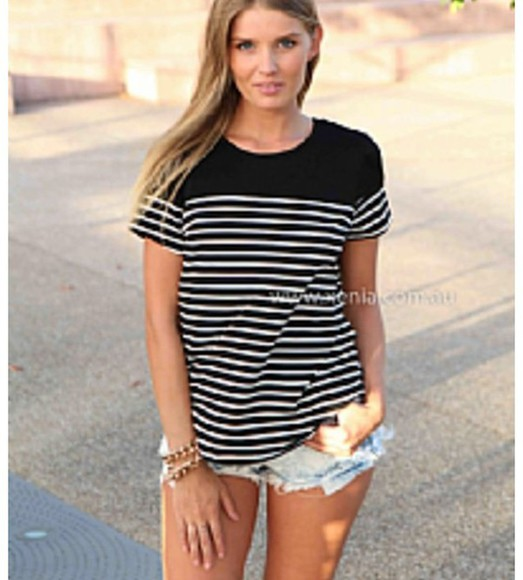 black white stripes top summer outfits t-shirt summer clothes celebrities blogger blog de betty topshop