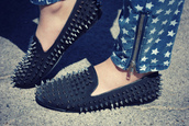 shoes,spiked,flats,fashion,black,silver spikes
