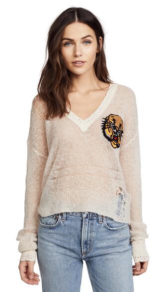 sweater tan