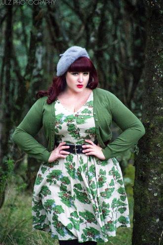 curvestokill blogger cardigan skirt tights jewels retro dress 50s style beret floral dress plus size dress curvy