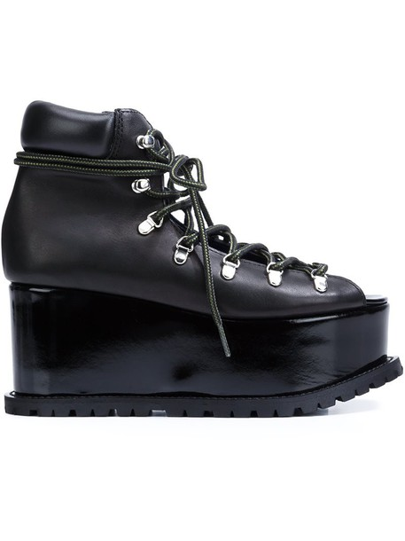 0407e066bce Sacai platform hiking boots in black - Wheretoget