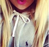 jewels,pink,lips,lipstick,ralph lauren polo,blonde hair,girly,teenagers,sweater