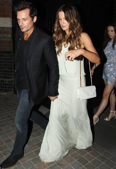 dress white dress bag maxi dress kate beckinsale