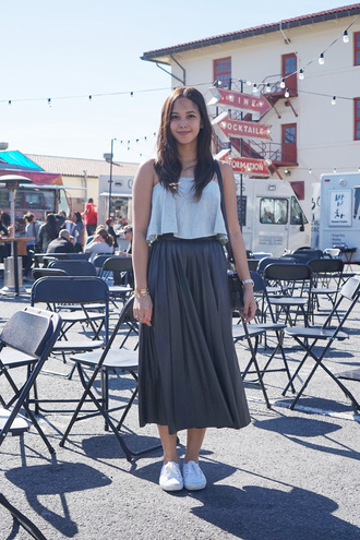 paradigma blogger grey skirt summer top