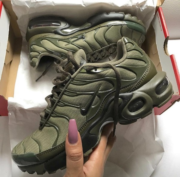 Nike Air Max Plus Tuned 1 Tn Olive Green Unisex Trainer