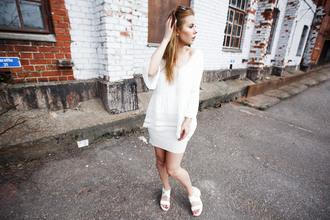 the next episode blogger white blouse white skirt all white everything white sandals