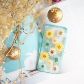 phone cover,iphone cace,iphone cover,cute,love,girl,flowers,floral,cool,real flowers,pressed flowers,blue,daisy,christmas,handmade,handcraft,yellow,white,forher,shabibisheep,holiday gift,christmas phone case,valentines day gift idea,mothers day gift idea,gift ideas,kawaii