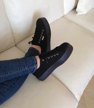 shoes clothes platform shoes black sneakers creeper pinterest tumblr black shoes plateau grunge vintage high fashion wanted brand trainers thick vans platform sneakers superga black platform sneakers girl pale velvet