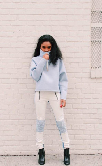 jeans leather pants blue and white pants blue and white blue sweater zip biker jeans leather biker pants skinny pants skinny jeans sweater pullover blue pullover zipped pants