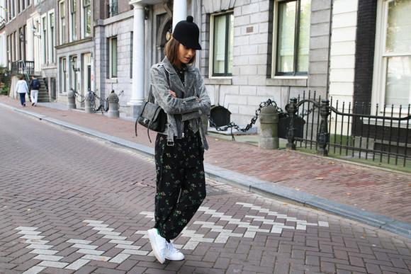 blogger jacket perfecto bag lizzy v d light printed pants