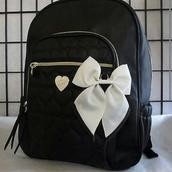 bag,betsey johnson,black backpack,white bow,backpack