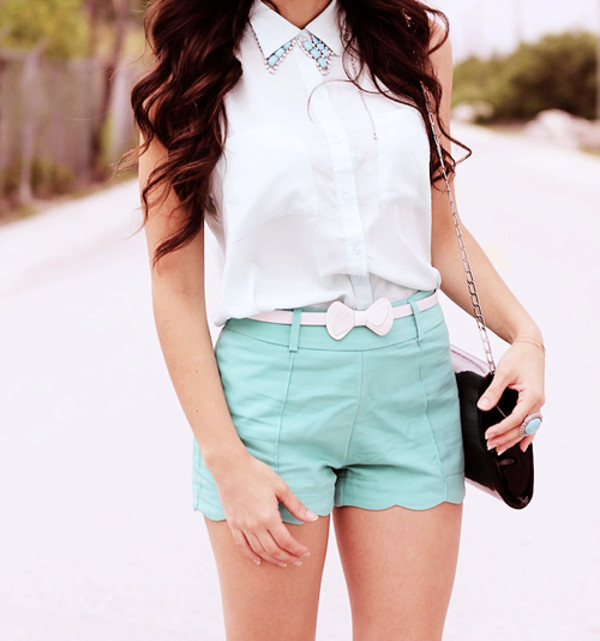 scalloped scalloped shorts collar mint belt bow ring chain bag summer outfits spring outfits outfit outfit idea cute outfits cute bow belt white shirt sleeveless wavy hair shorts summer shorts necklace collar necklace t-shirt white with no cuffs blouse idk bag purse pretty summer tank top white blouse blue shorts clutch pastel blue mini mini shorts