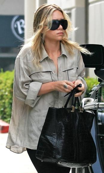 olsen sisters blogger sunglasses top bag
