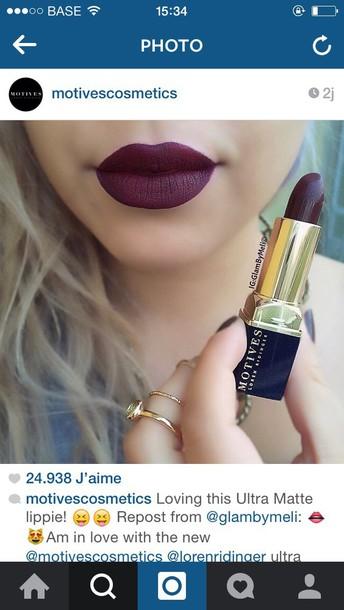 make-up motives dark red lipstick matte