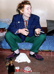 punk,black and purple shoes,70s style,80s style,john lydon,alternative,shoes