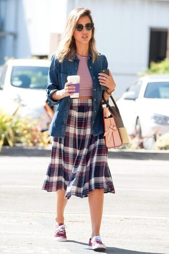 top stripes striped top midi skirt skirt jessica alba sneakers shoes