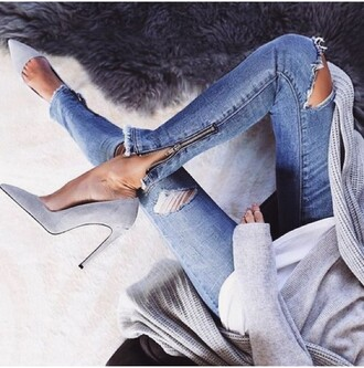 jeans ripped jeans light denim jeans denim skinny jeans trendy jeans with zippers shoes grey pumps grey shoes high heels heels