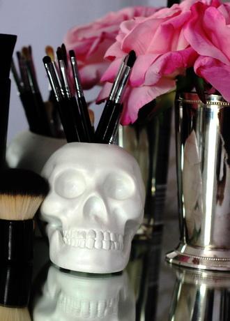 make-up makeup brush holder skull container hodi home decor brush holder skull skull makeup brush holder