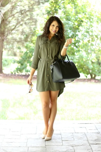life & messy hair blogger dress olive green office outfits shirt dress