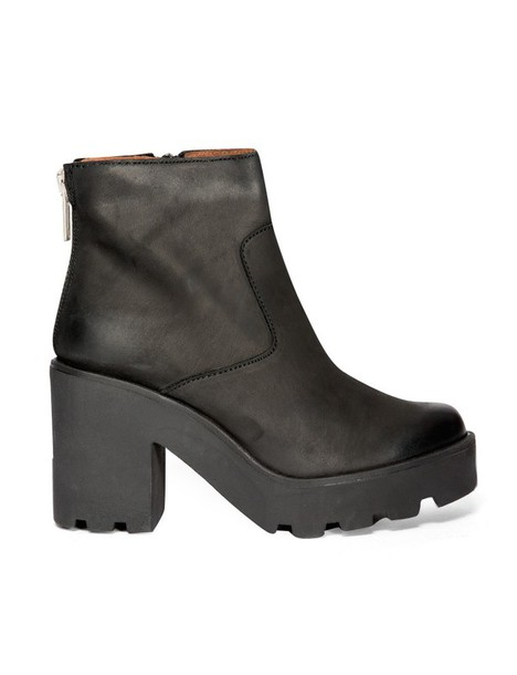 shoes fall outfits chunky heeled boots chunky boots black boots platform boots pre fall trendy boots transitional pieces back to school fall outfits pixie market pixie market girl