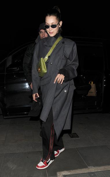 coat pants sweatpants bella hadid model off-duty fall outfits sneakers