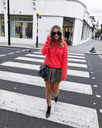 sweater tumblr red sweater skirt mini skirt pleated pleated skirt bag black bag boots ankle boots