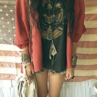 jacket red t-shirt jewels cardigan shorts bracelets ring necklace blouse sweater aztek black and white top 90s style boho grunge blazer bag hipster shirt tumbr coat must hve amazing lel hehe swag yass thug life hair accessory summer indie boho indie accessories style vintage cool sunny vintage tan leather satchel top and cardigan