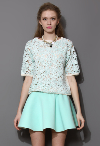 shirt cut-out flowers crepe top mint