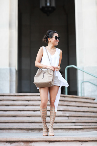 shirt asymmetric shirt white shirt asymmetrical shorts sandals flat sandals gladiators knee high gladiator sandals nude bag bag sunglasses black sunglasses summer outfits blogger wendy's lookbook