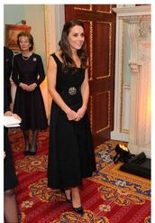 dress,pumps,black dress,midi dress,kate middleton,shoes