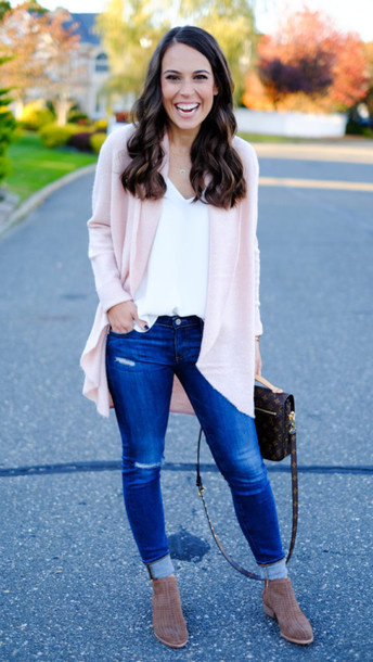 mrscasual blogger cardigan shoes tank top jeans jewels bag louis vuitton louis vuitton bag ankle boots pochette metis