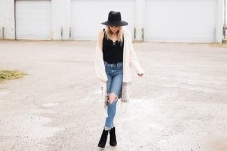 love lenore blogger cardigan t-shirt jeans shoes hat felt hat fall outfits ankle boots