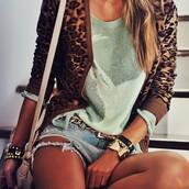 decor e salto alto,shorts,sweater,jewels,bag,belt,jacket,animal print,short,blue,shirt,outfit,mint,cardian,leapord,print,chain belt,denim,frayed,style