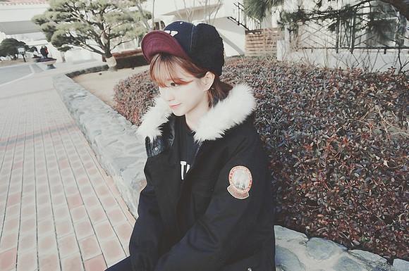 adorable ulzzang asian korean K-pop winter outfits cold snow