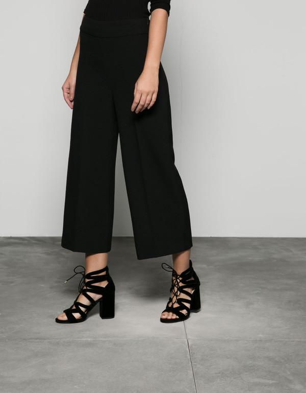 Pantalone Bershka tipo culotte morbido - Pantaloni - Bershka Italy f5a84b19a67