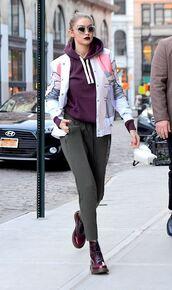 jacket,hoodie,gigi hadid,model off-duty,streetstyle,pants,sunglasses