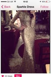 dress,sparkly dress,prom dress,wedding dress,red carpet,silver glitter,silver,glitter,sequin dress,sequins,celebrity style,long prom dress,long hair,long sleeve dress,maxi dress,diamonds,girly,princess wedding dresses,royal wedding,high neck,sweetheart dress,cute dress,model