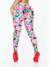 jumpsuit,flowery leggings,kyra chaos,celebrity,leggings,floral leggings,flowery top,summer outfits,two-piece,sexy,roses,printed leggings,vip,trendy,co ord,set,co ord outfit,outfit,clubwear,separates,bandeau